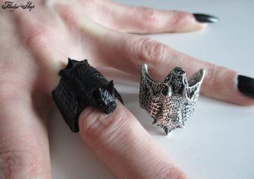 großer detaillierter Fledermaus Ring
