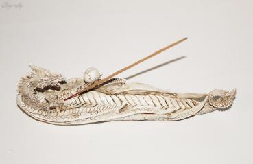 weißer Drachen Räucherstäbchenhalter