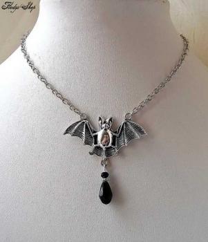 Luxus Kette silber Fledermaus mit Glasanhänger