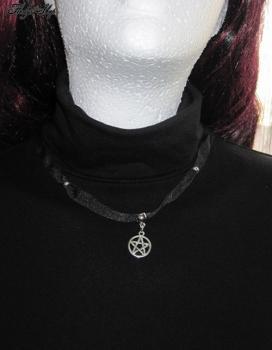 Schwarzes Gothic Halsband mit Pentagramm